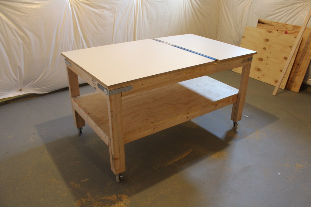 how to build a corner workbench