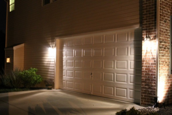 LED-garage-lights-1024x682